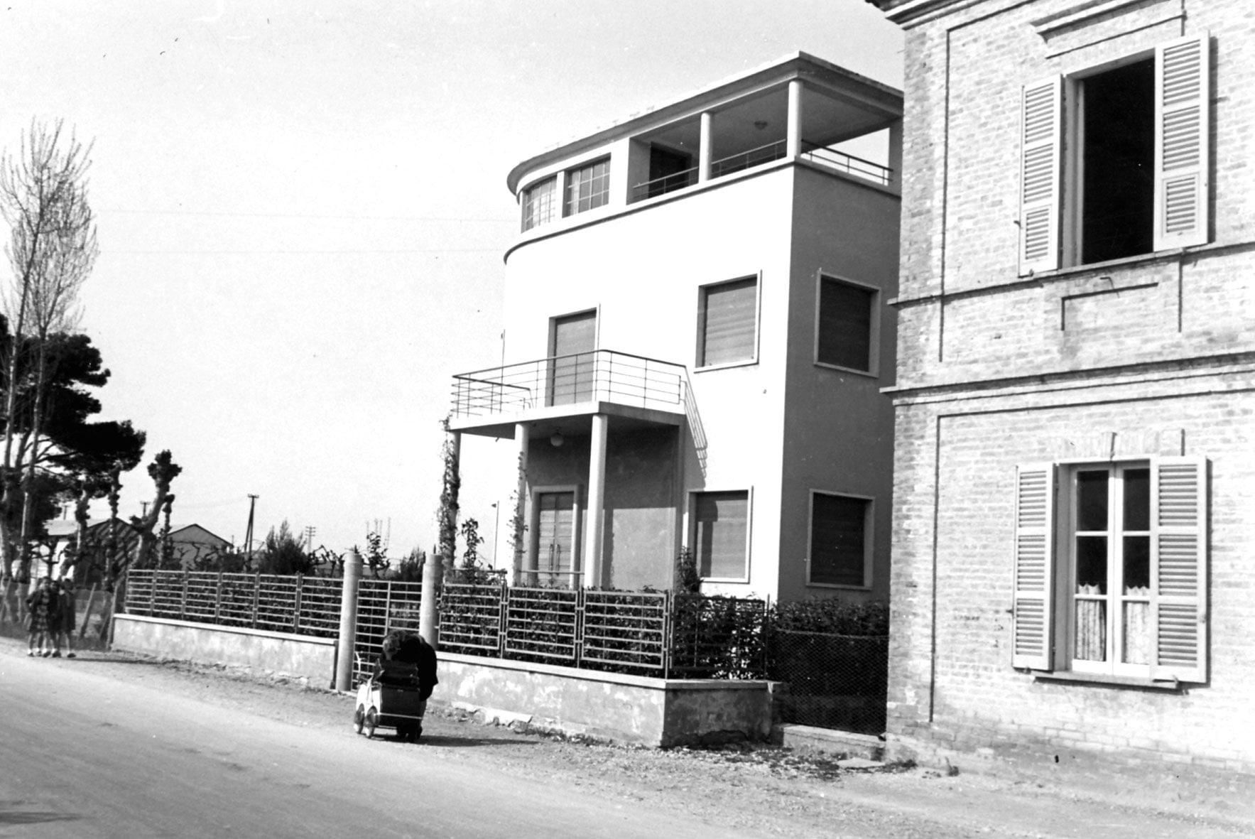 1937-1946-08