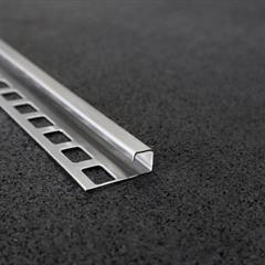 Quadraprofil, Edelstahl gebürstet, 10mm, Nr: 121C10E3G, Front; Fotocredit: Denise Frunza