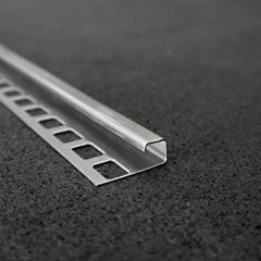 Quadraprofil, Edelstahl glänzend, 10mm, Nr: 121C10E3, Front; Fotocredit: Denise Frunza