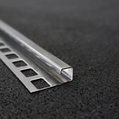 Quadraprofil, Edelstahl poliert, 10mm, Nr: 121C10E3P, Front; Fotocredit: Denise Frunza