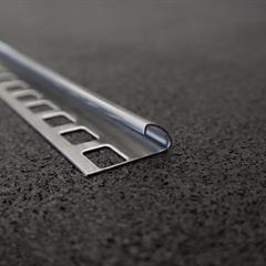 Viertelkreisprofil, Edelstahl glänzend, 10mm, Nr: 11810E3, Front; Fotocredit: Denise Frunza