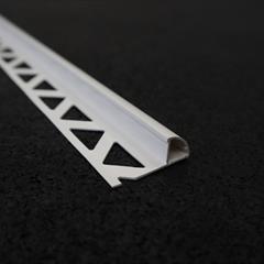 Viertelkreisprofil, PVC weiß, 10mm, Nr: 21181011(3), Front; Fotocredit: Denise Frunza
