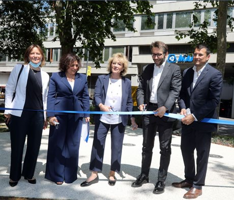Viale Jenner is greener thanks to the Mapei flowerbed