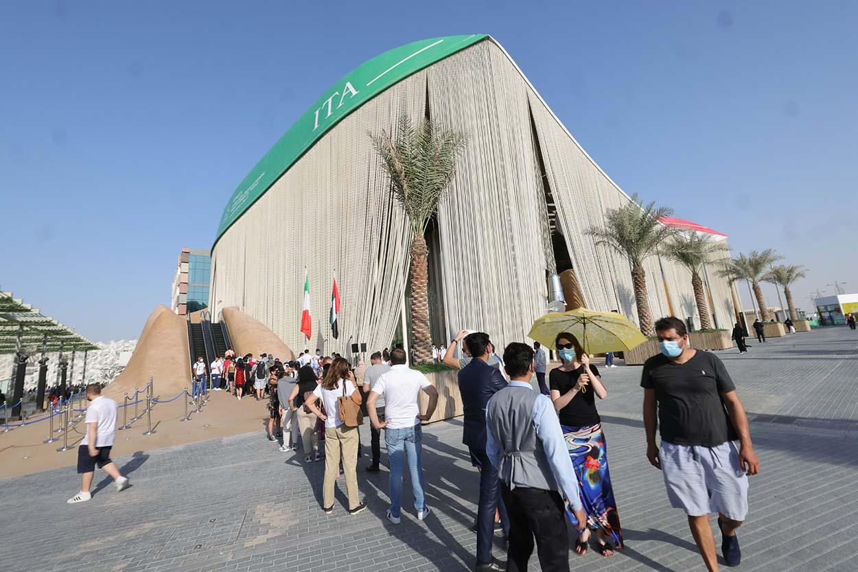 _Dubai - pubblico al padiglione Italia EXPO 2020 2021 10 21_5 © Massimo Sestini for Italy Expo 2020