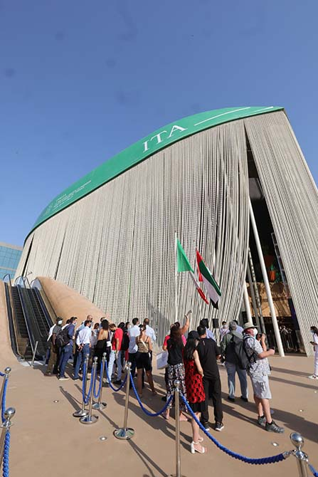 _Dubai - pubblico al padiglione Italia EXPO 2020 2021 10 21_6© Massimo Sestini for Italy Expo 2020