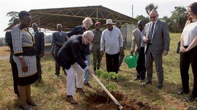 Emergency's hospital in Entebbe - Uganda - the laying of the first stone by Renzo Piano - Mapei