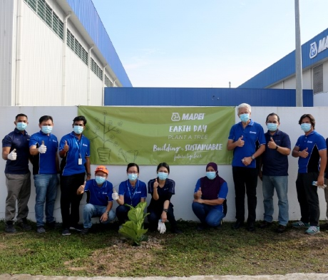 MAPEI Earth Day: Planting Trees and Improving Our Environment