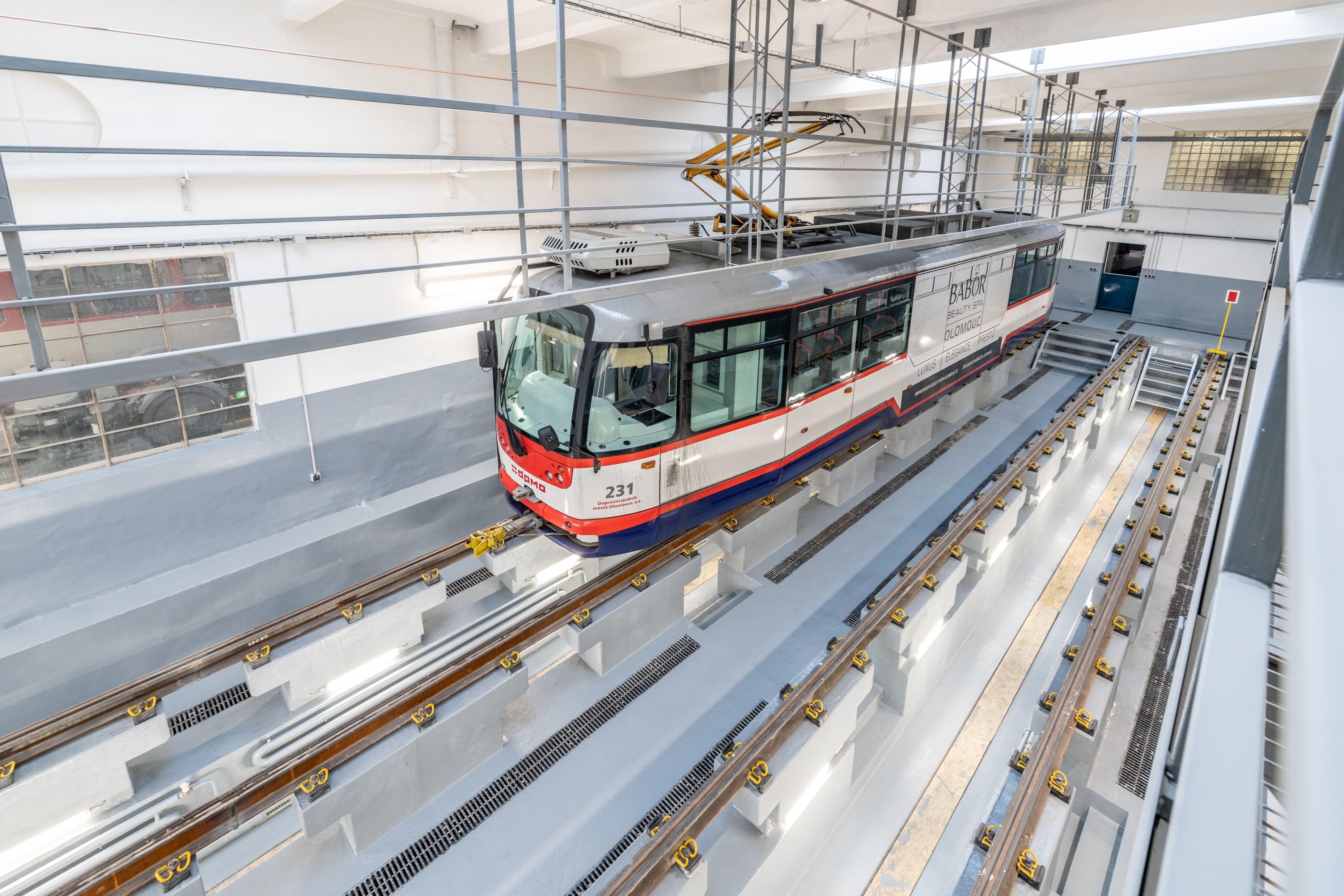 Rekonstrukce olomouckého depa – tramvaje již parkují v novém