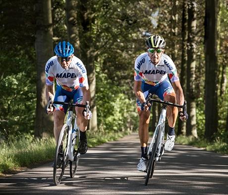 UCI-Straßen-WM vom 19. bis 26. September 2021: MAPEI unterstützt Internationale Radfahrerunion. Versteigerung der Räder zweier Legenden für Flutopfer-Hilfe