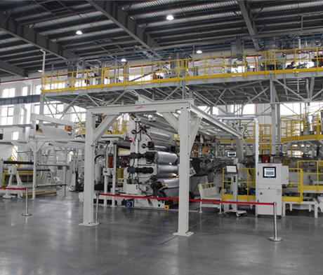 MAPEI investiert in die Zukunft und erhöht Produktionskapazitäten der FPO-Dachbahnen um 10.000 m² jährlich