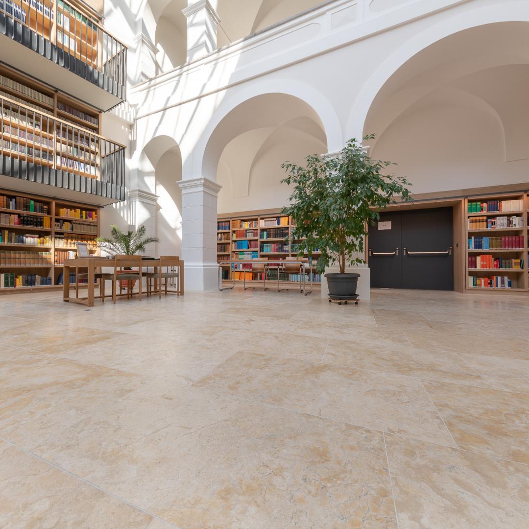 Staatliche Bibliothek Passau Bild 02