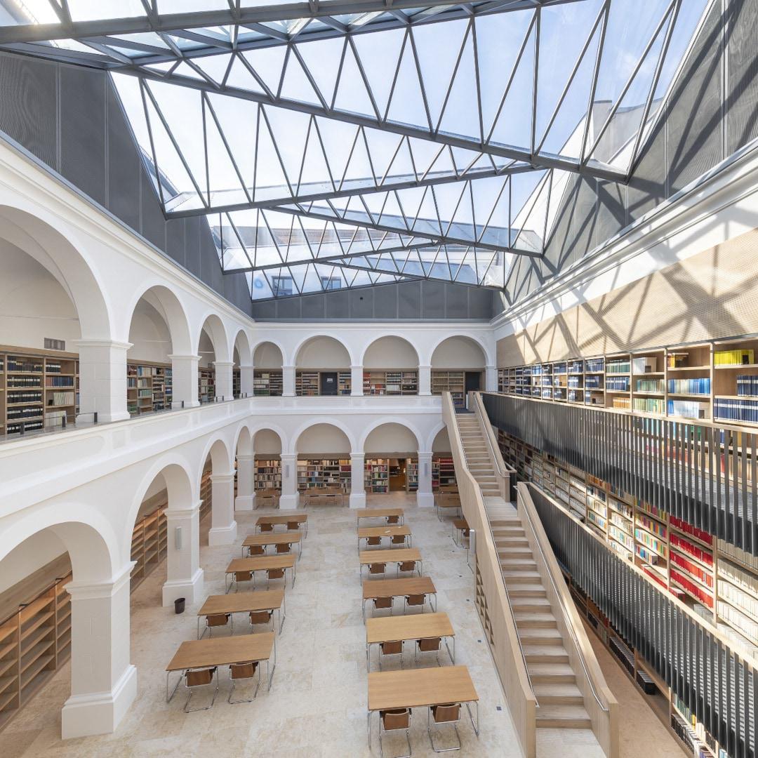 Staatliche Bibliothek Passau Bild 01