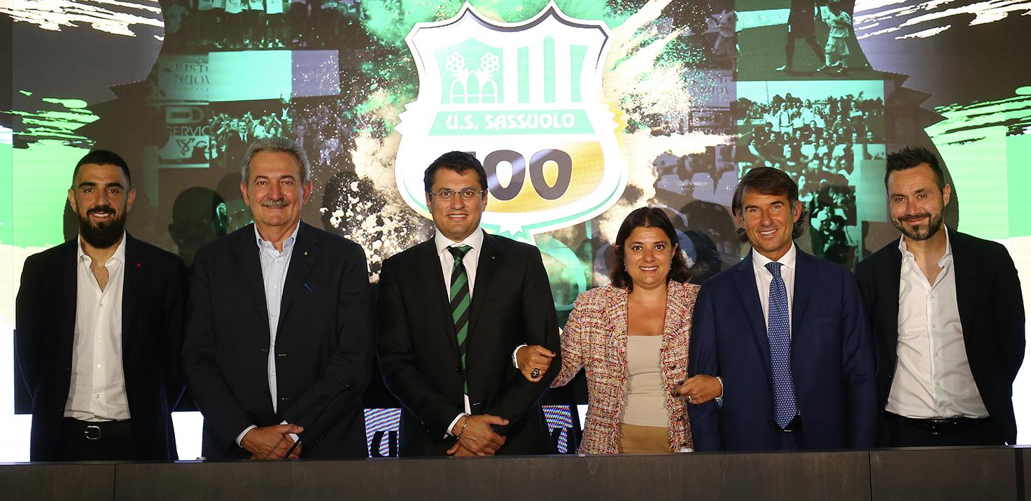 Celebración del Centenario del Club de Fútbol Sassuolo en el estadio Mapei