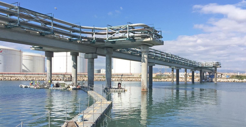 Reparación de pilares de hormigón en el puente sobre el río Francolí