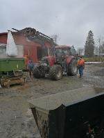 bonde med traktor