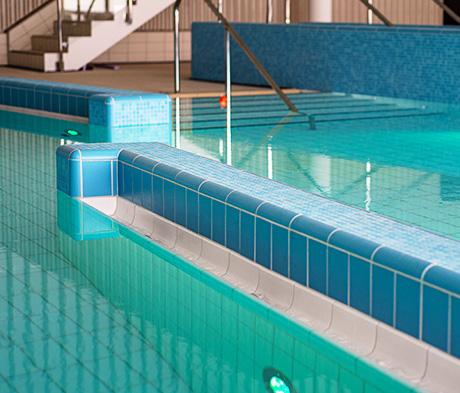 Flislegging av basseng og riktig valg av fugemasser