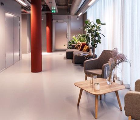 Dekorative komfortgulv til offentlige rom
