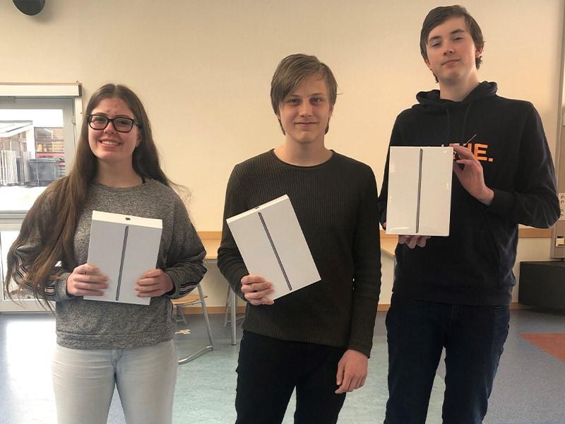 Vinnere: Eidskog ungdomsskole. Laget fra venstre: Martine Alexandra Hassel Baardseth, Alfred Eines og Ragnar Lande.