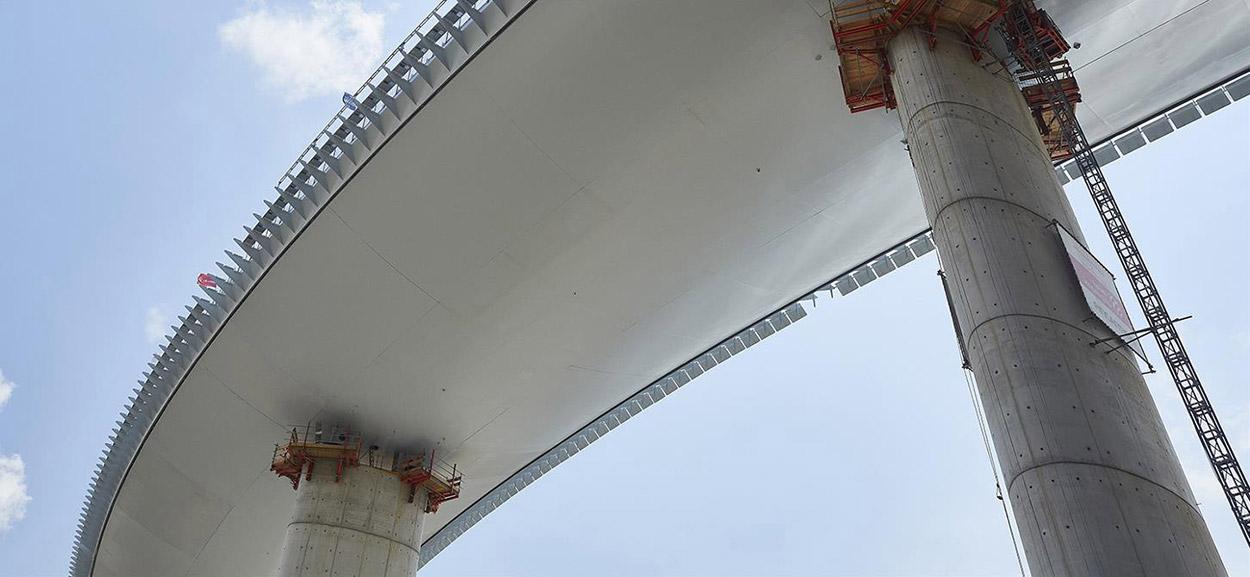 bridge-in-genoa-4