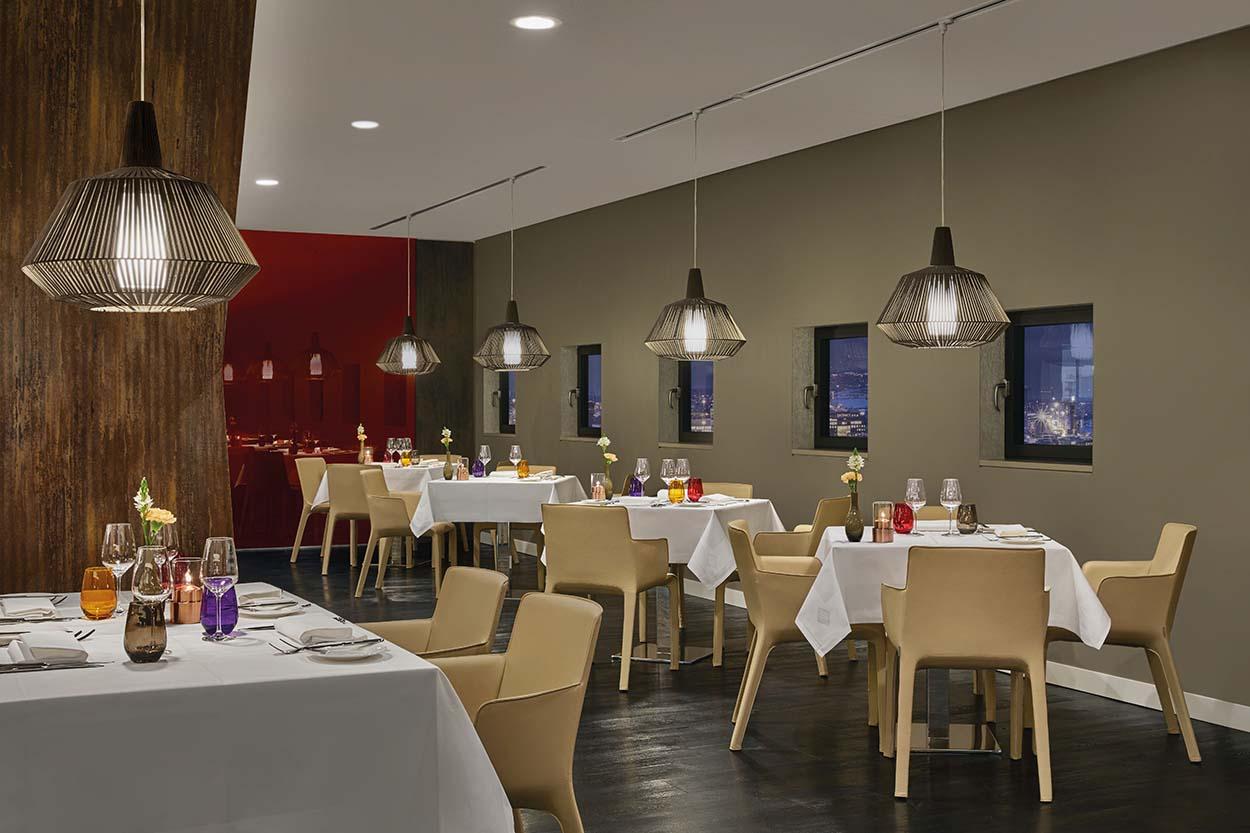 wes3579rf-208734-The Saffron Restaurant-High lvt-r