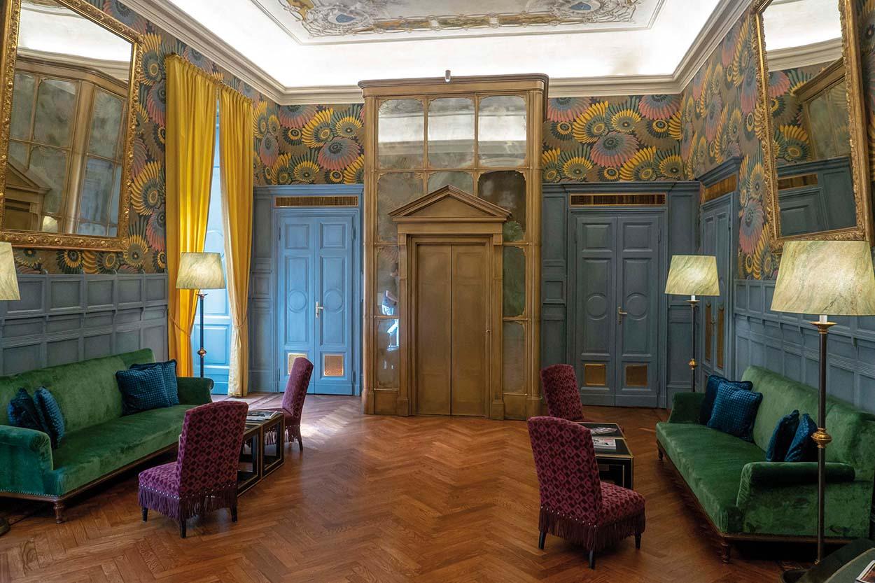 Mapei nel Ristorante Cracco in Galleria Vittorio Emanuele Milano posa piastrelle Gio Ponti ceramica (5)