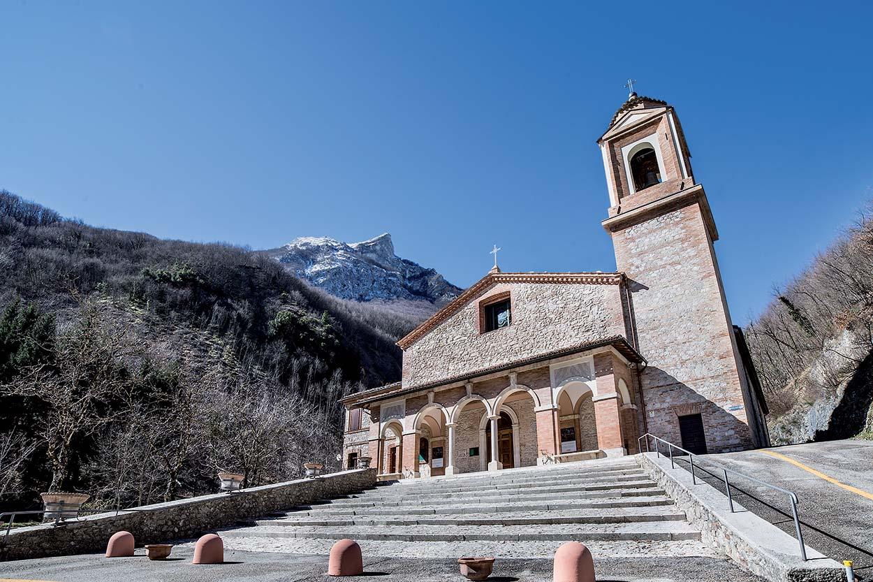 Santuario della Madonna dell'Ambro - Mapei Partner Tecnico del restauro conservativo e miglioramento sismico_2018 (1)