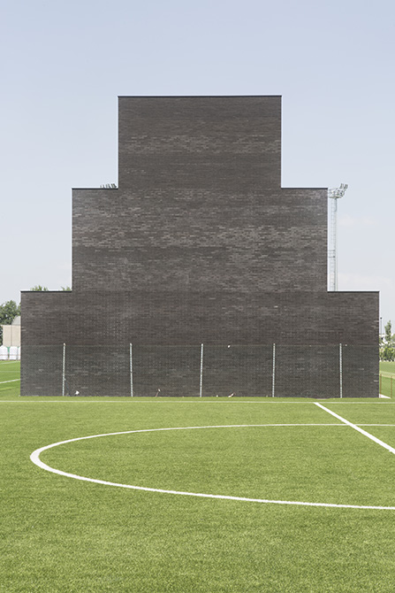 A view of the building and pitch at the Mapei Football Center ©Filippo Romano.
