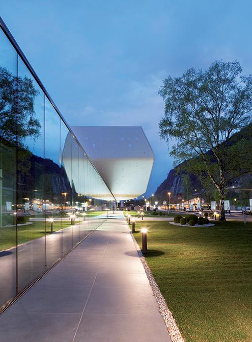 Foto esterno nuova sede Durst Phototechnik Bressanone_Mapei nel progetto del nuovo Quartier Generale (2)