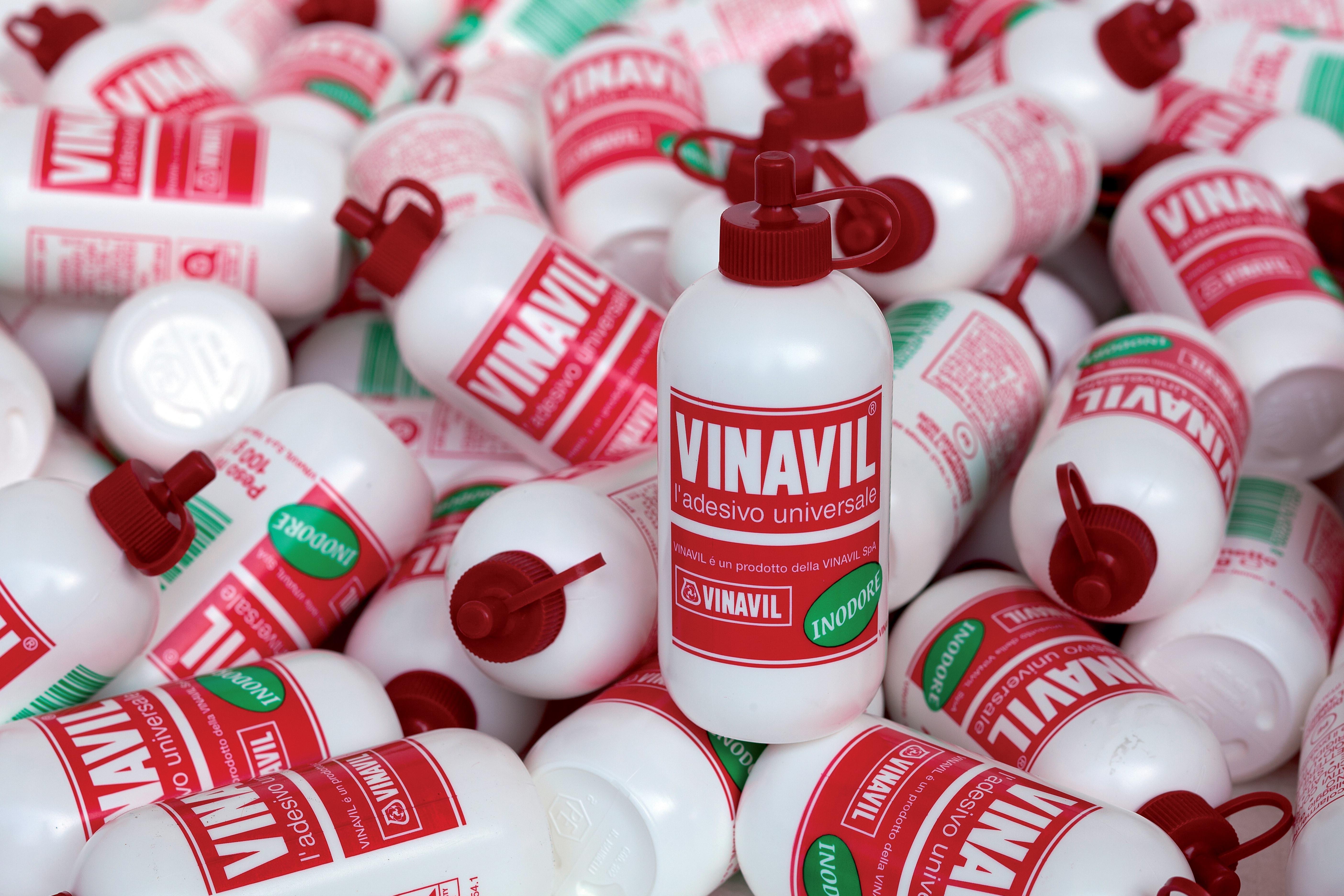 Colla universale Vinavil_Vinavil festeggia 25 anni nel Gruppo Mapei