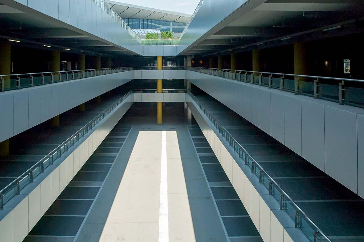 Una foto del finito_Pavimentazioni Mapei nell'aeroporto Daxing International Airport di Pechino