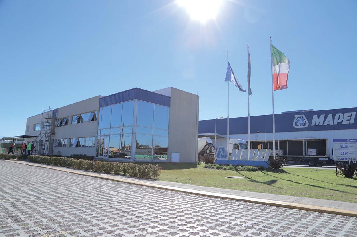 Argentina-stabilimento Mapei - Lo stabilimento di Mapei Argentina a Escobar.