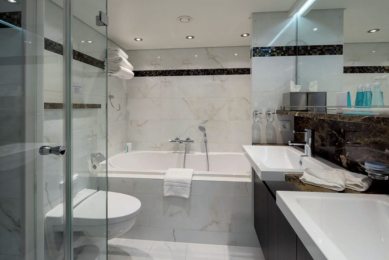 AmaKristina_AmaWaterways_Mapei_bagni_bathrooms