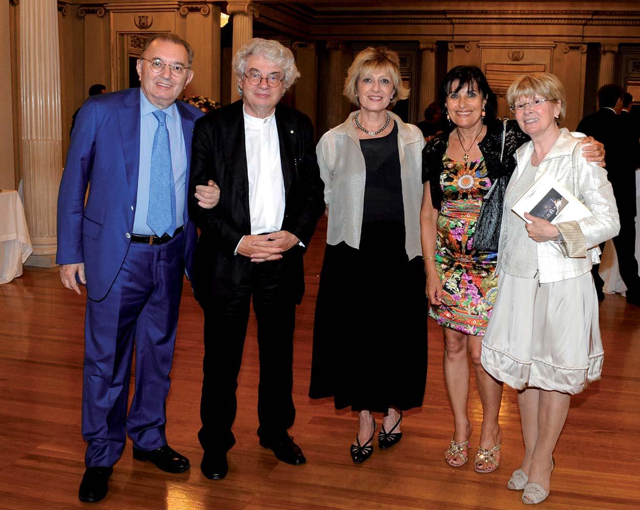 Mario Botta con Giorgio e Laura Squinzi e Adriana Spazzoli di Mapei