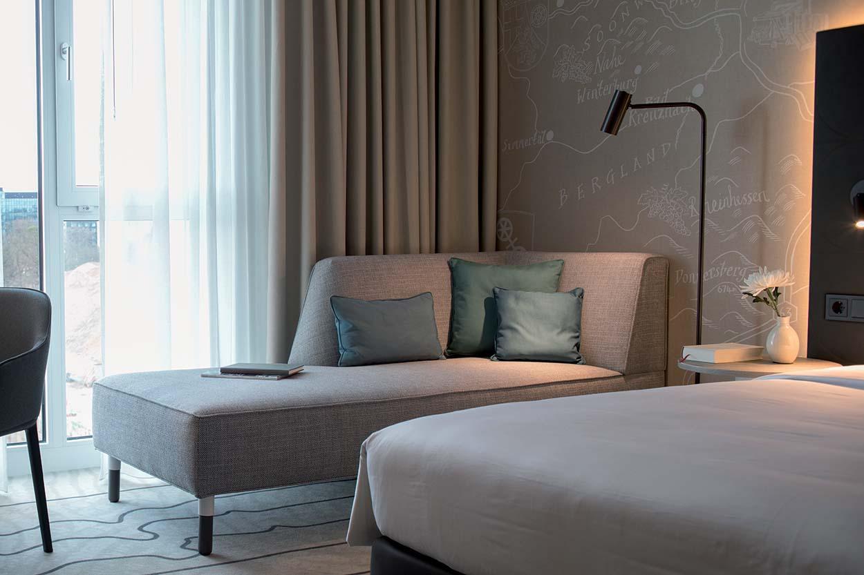 Prodotti Mapei per il JOI-Design_HyattPlace_Frankfurt_CreditsToSimoneAhlersforJOI-Design - Hyatt hotel (2)