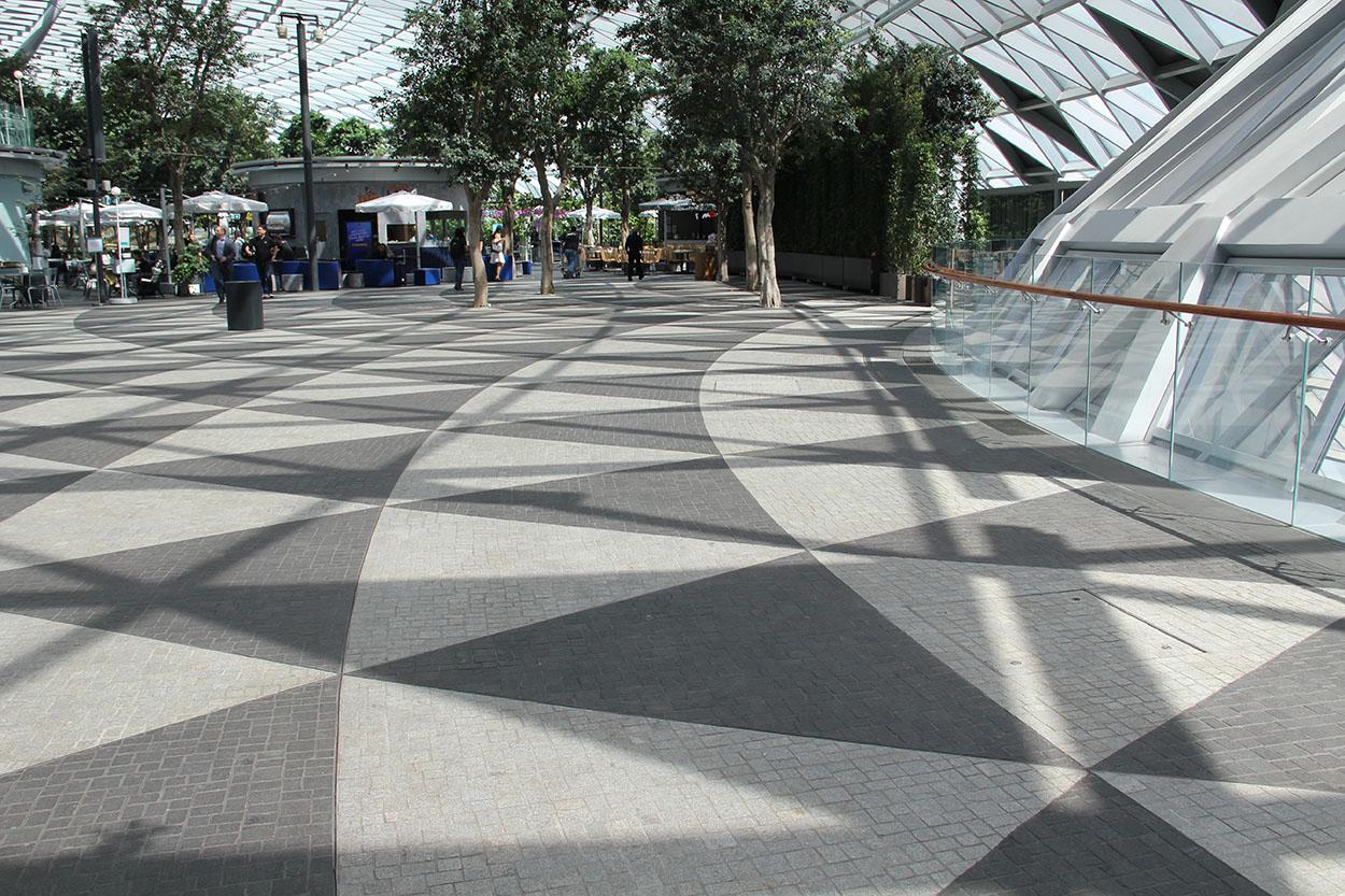 Prodotti Mapei per Ceramica e Pietra all'Aeroporto di Singapore Jewel Changi Airport (3)