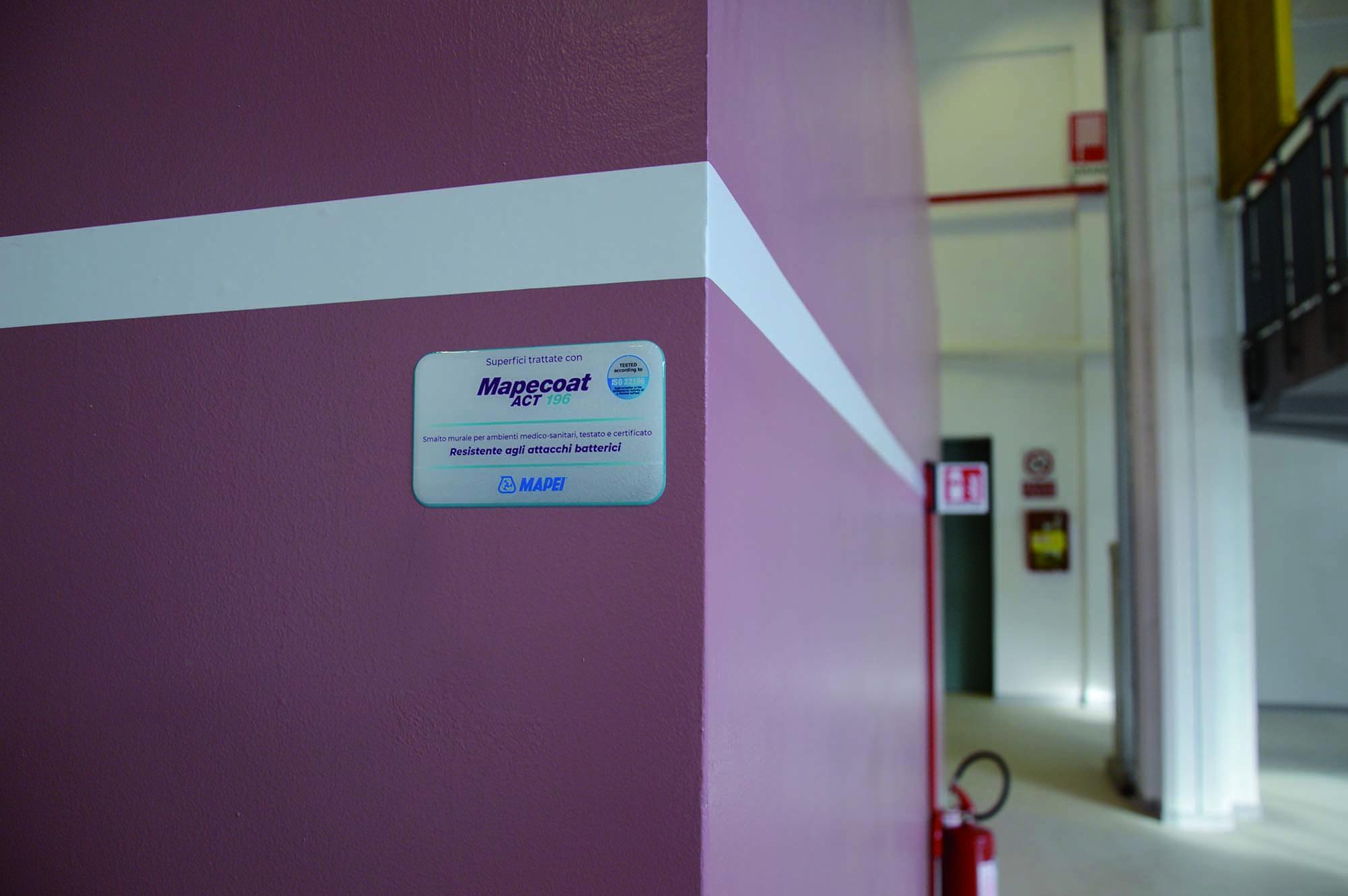 MAPECOAT ACT 196,  smalto murale per interni, idoneo all'utilizzo in ambienti sanitari - Soluzioni Mapei per Ospedale Covid alla Fiera del Levante di Bari