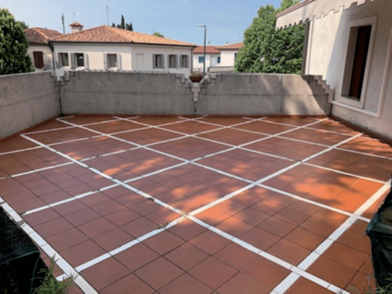 Membrane poliuretaniche Mapei - Per impermeabilizzare balconi e terrazzi, Mapei propone la gamma PURTOP EASY, prodotti poliuretanici pronti all'uso, da utilizzare in un'unica mano.