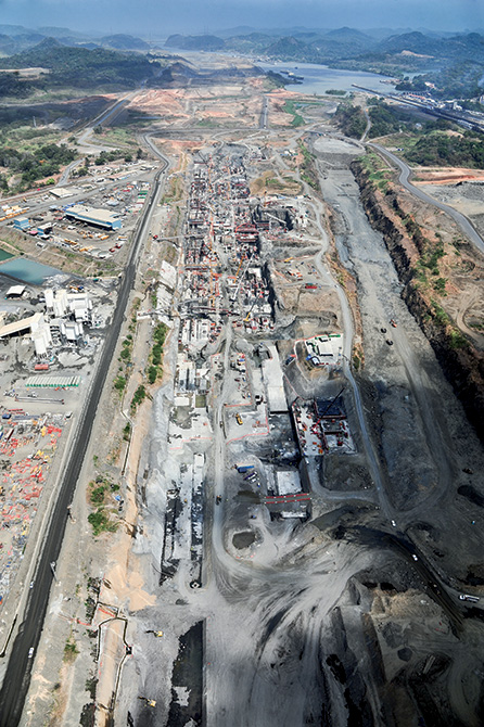 Mapei admixtures in the Panama Canal - more than 5 milions of m3 of concrete (1)