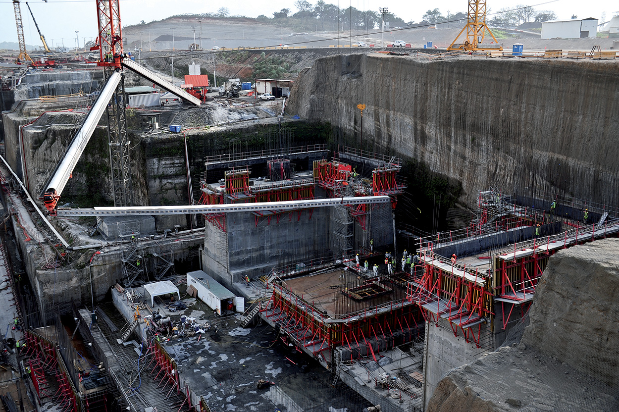 Mapei admixtures in the Panama Canal - more than 5 milions of m3 of concrete (4)