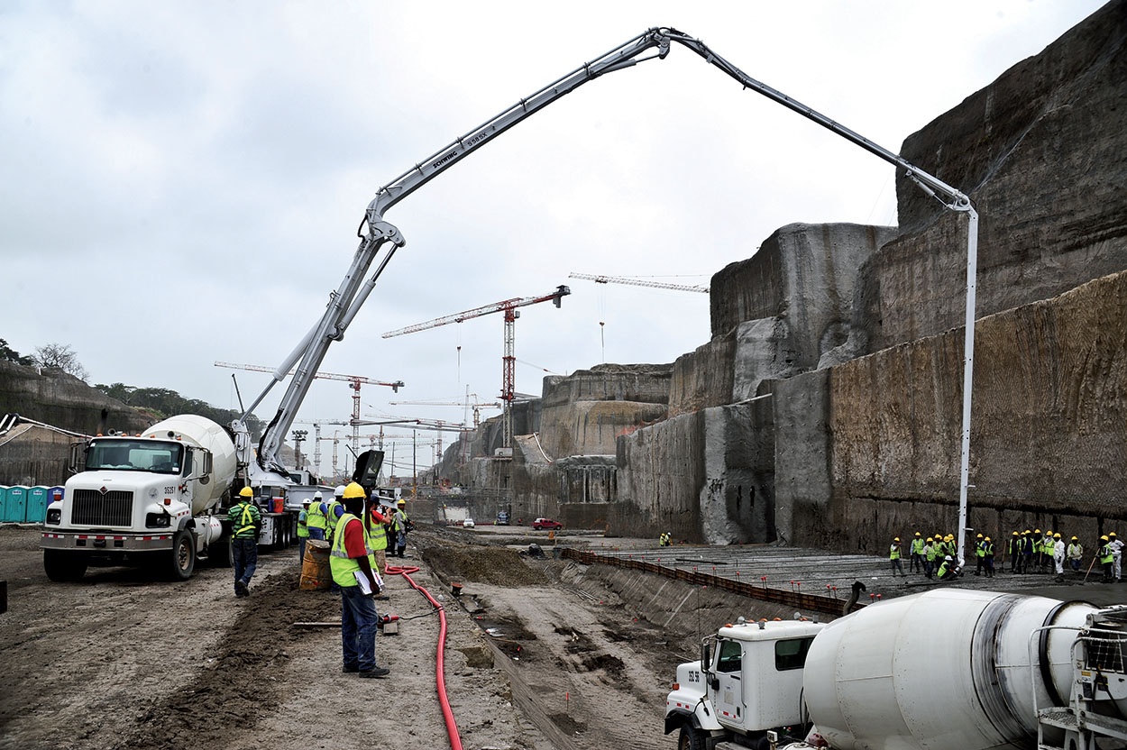 Mapei admixtures in the Panama Canal - more than 5 milions of m3 of concrete