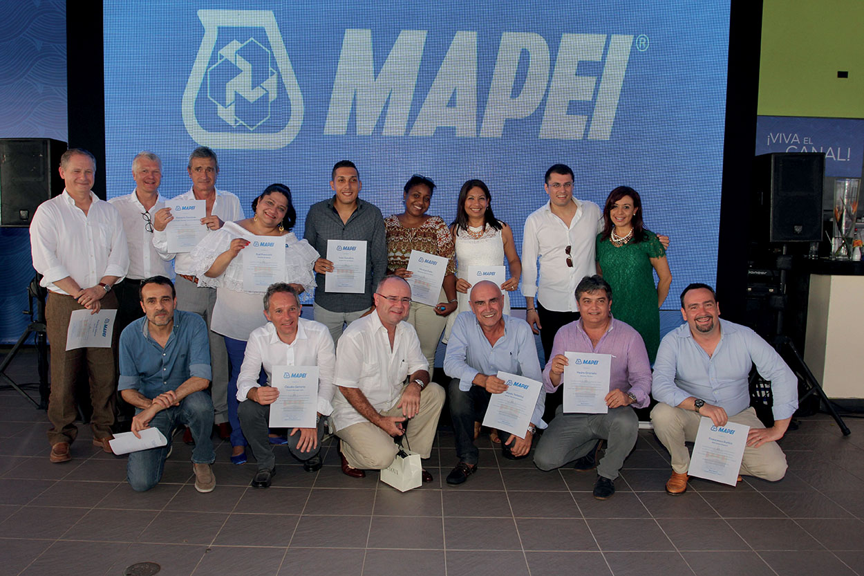 Mapei nel Canale di Panama_The Mapei Group's staff that took part in the Panama Canal project