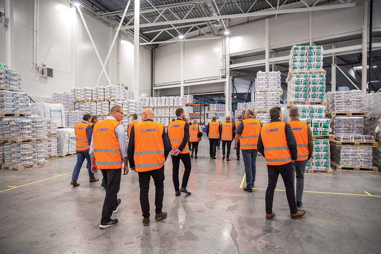 Mapei in Norway new plant_tour of the plant by the guests
