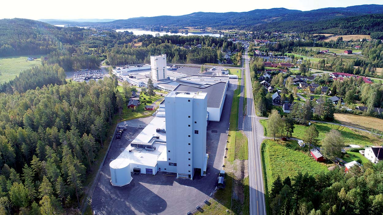 Mapei opens a new manufacturing plant in Norway - The Mapei AS plant in Sagstua was recently extended to encompass new storage facilities and a new manufacturing plant.