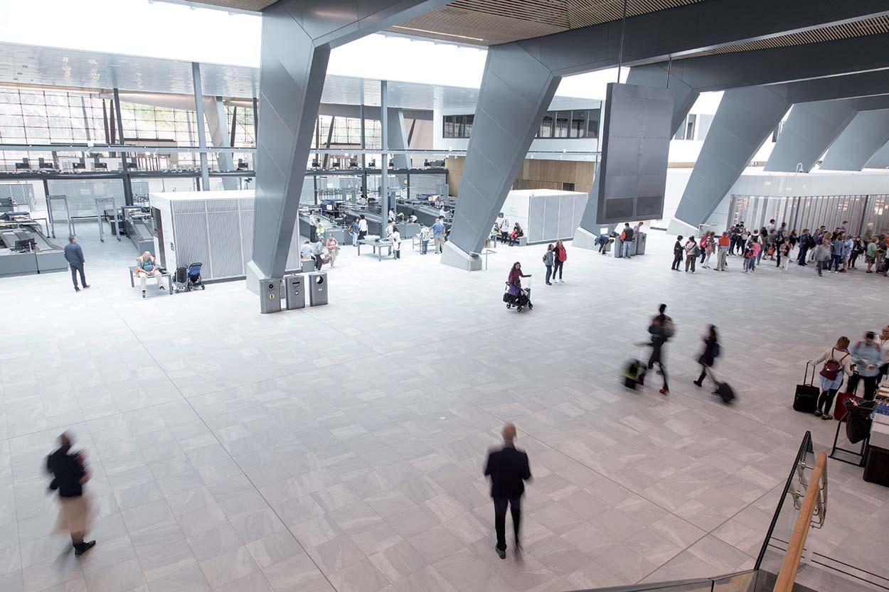 Bergen_Airport_Flesland_2017_prodotti Mapei nell'aeroporto di Bergen in Norvegia,