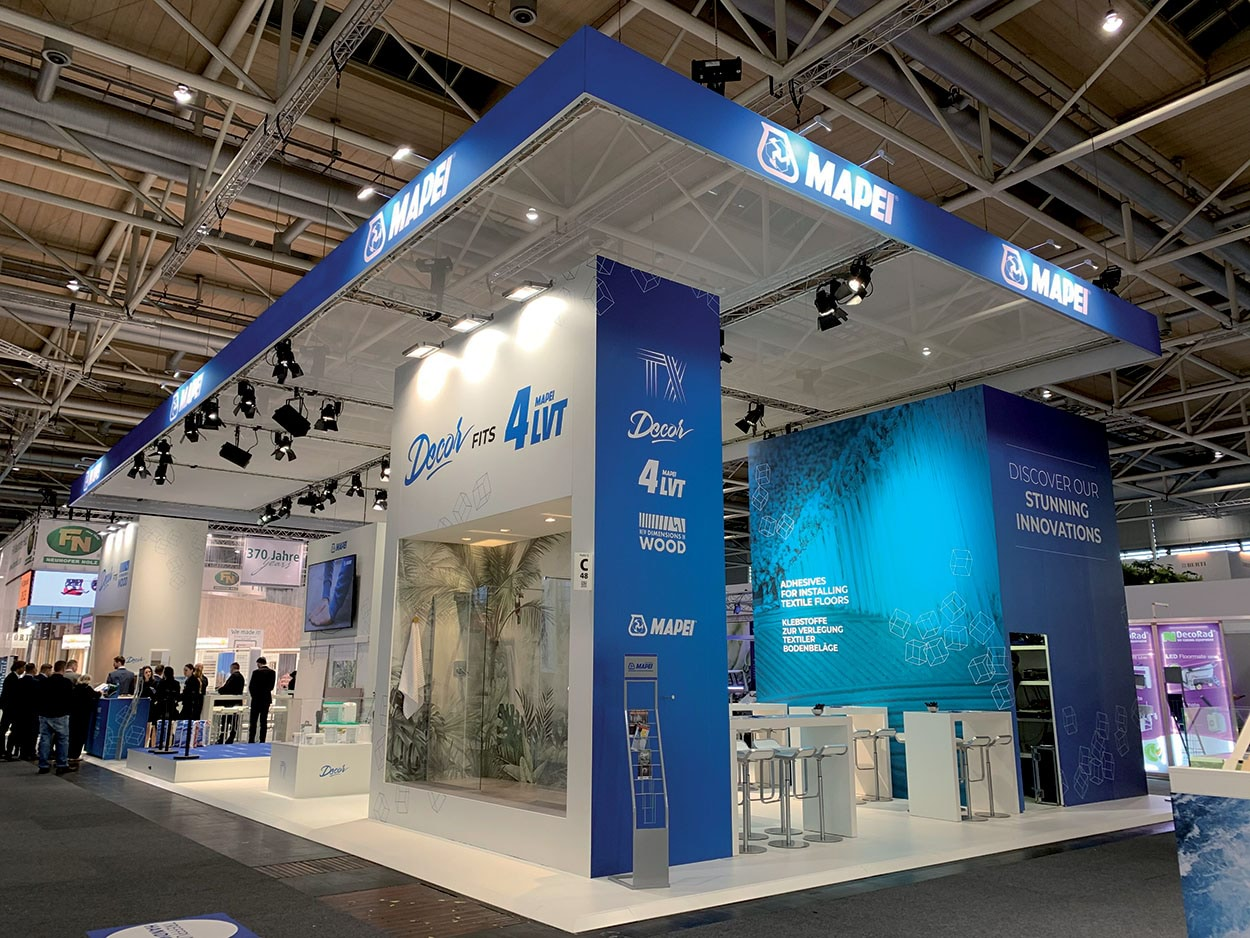 Mapei booth at Domotex 2020 - Decor fits 4LVT is the slogan at Domotex 2020 for presenting the combination of two product lines for repairing the floors and walls of bathrooms and damp areas.