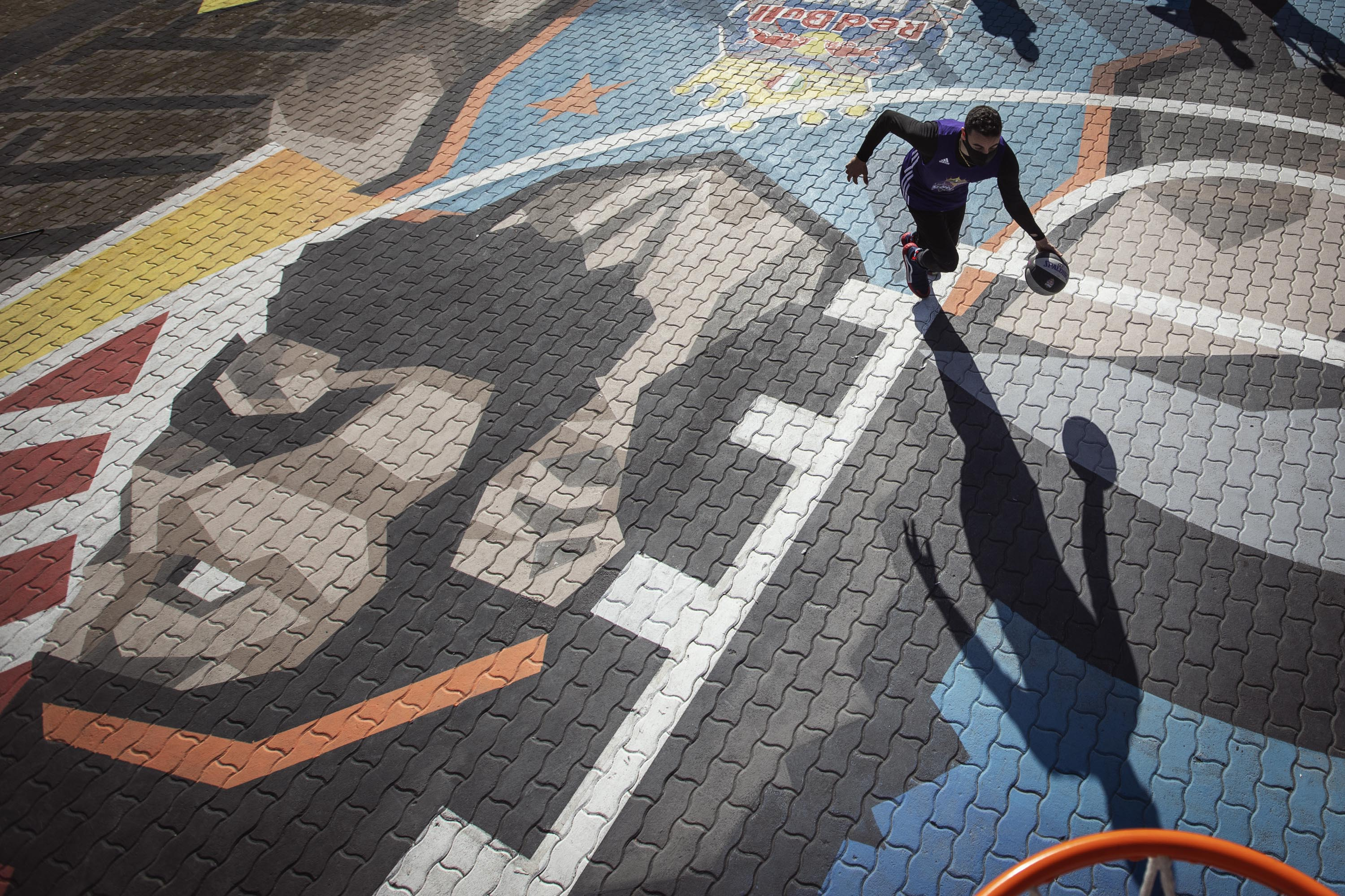 Basketball court in Rome_Red Bull Half Court Tournament_Mapei products used for the sports surface (1)